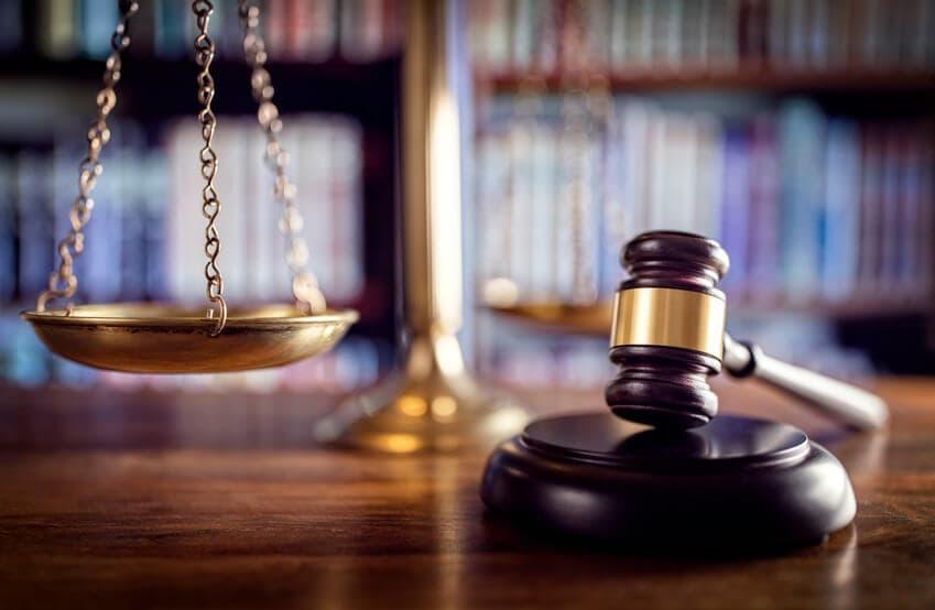 profesionales del derecho y de la empresa